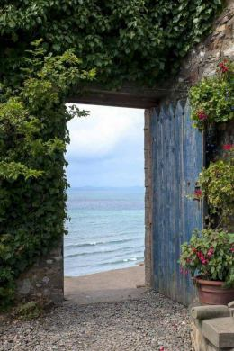 ocean thru door from spiritual awakenings.